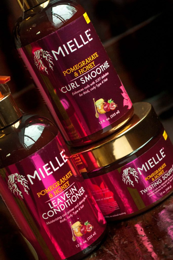 Mielle Organics Pomegranate and Honey Leave-In Conditioner, Curl Smoothie, Twisting Soufflé Review on Natural Hair.