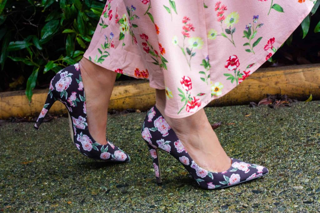 Close up of floral and black shoes from Aldo | Date Night Inspiration