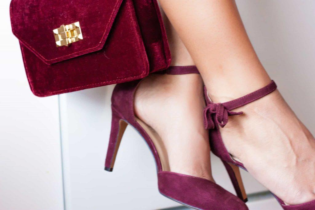 Close up of purple shoes and wine handbag/purse | Date night fashion ideas