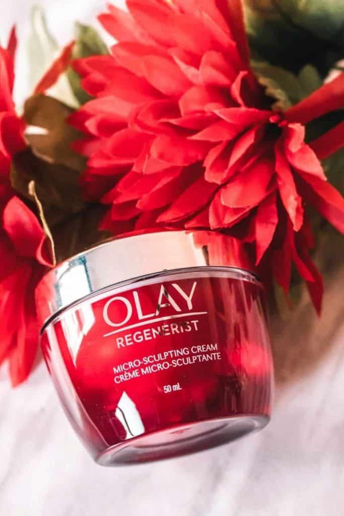 Olay Regenerist Multi-Sculpting Cream in Red Jar contains anti-aging peptides