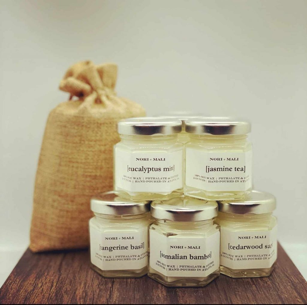 Set of Minimalist Scented Soy Candles white and gold | Black Owned Candle Companies